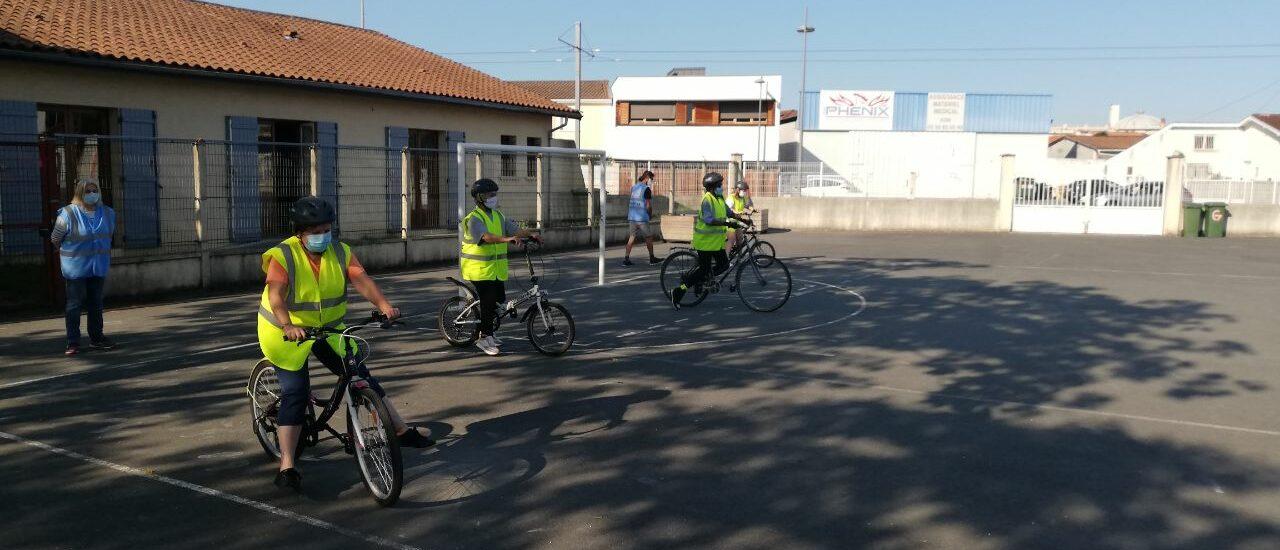 photo de la dernière session de vélo école adultes